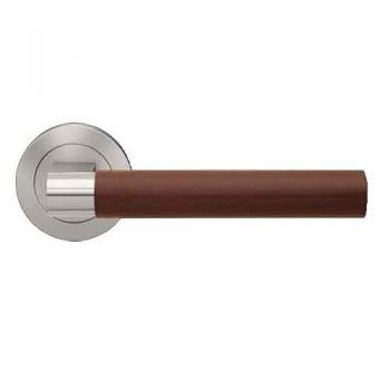 Deurkruk rvs/lichtbruin leer, type Madeira vastdraaibaar op rond rozet